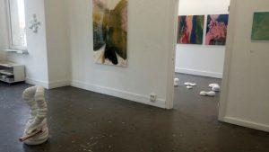 """Ausstellungsbild """"Vom Sein und Schein - Galerie ROOT"""""""